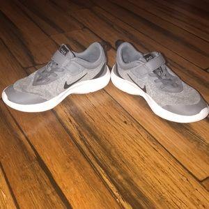Boys Nike Flex Experience 8